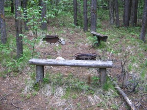Some very useable firepits remain for the next backpackers who rebuild the camp.