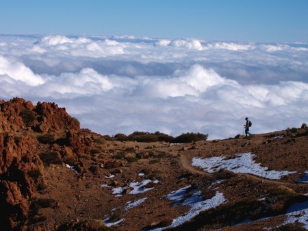 Hiking above the clouds , Teide National Park opt
